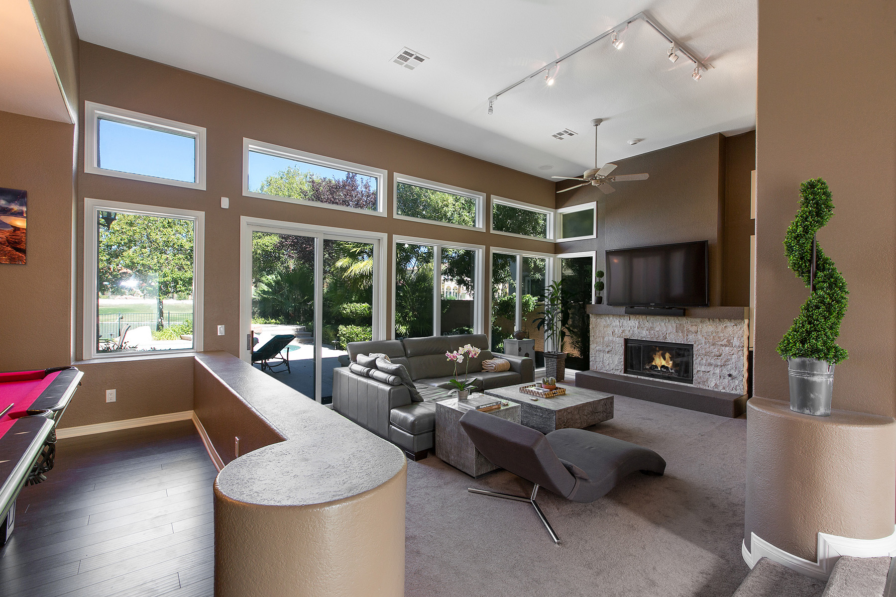 Real Estate Photography – Spotlight702
